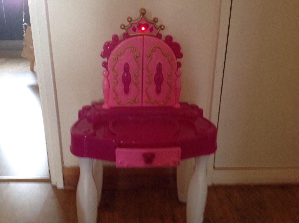 Little Princess Dressing Table & Disney Ariel Hairdressing Head