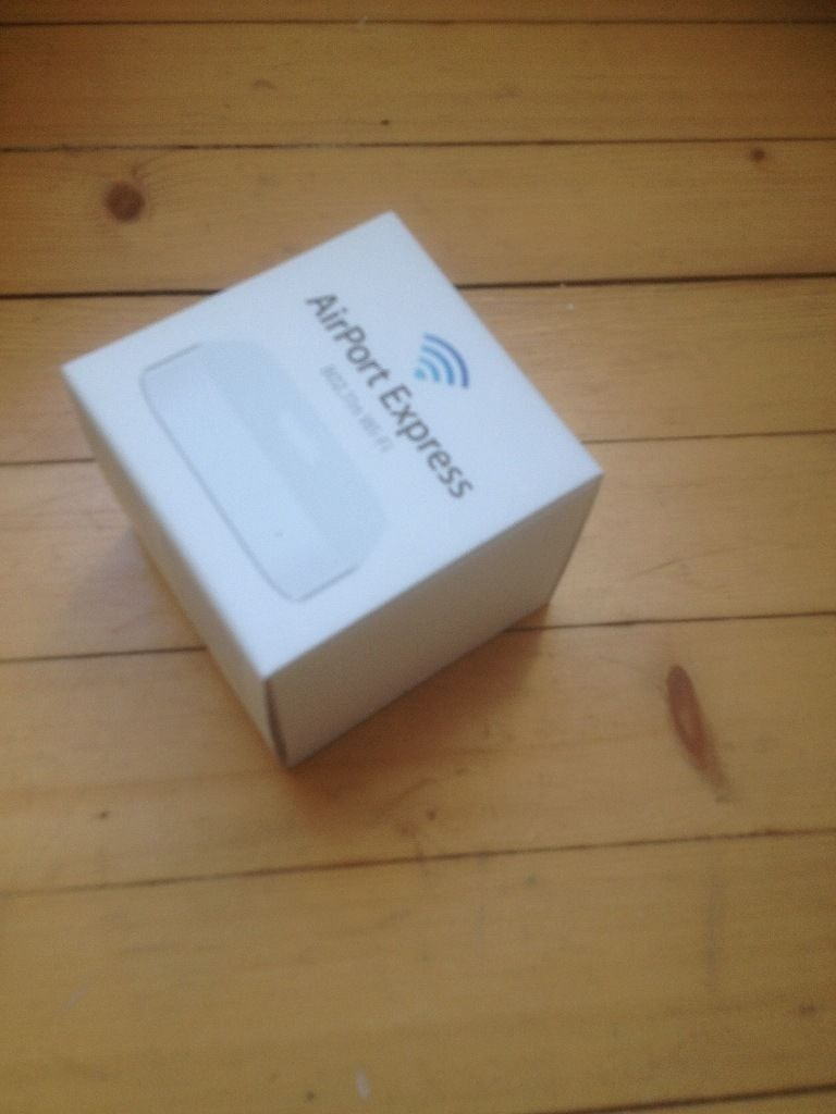 Apple Airport Express - as new and barely used