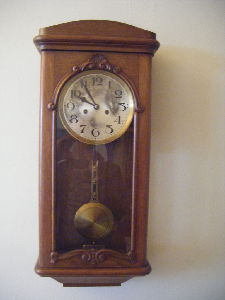 "1920's HAU wall clock with ""Parzivalgong"""