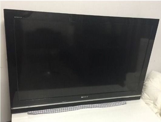 40in Sony Bravia T.V great condition w Wall Mount & remote