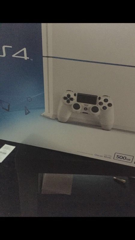 White PS4 500GB like new