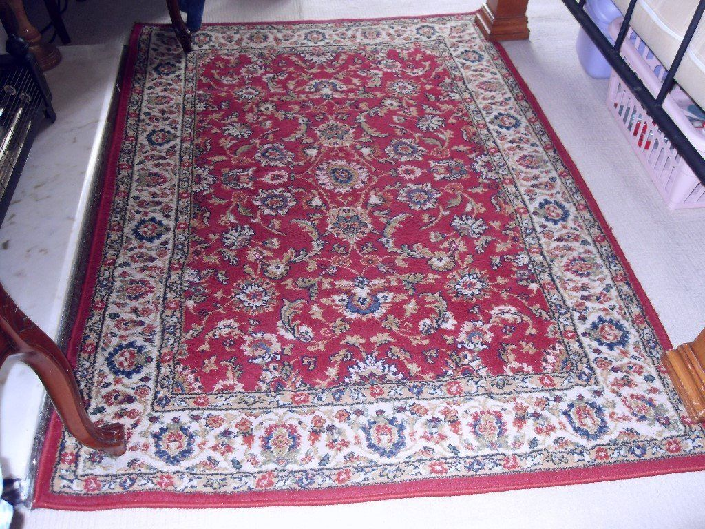 THICK RUG (160X120 CMS)