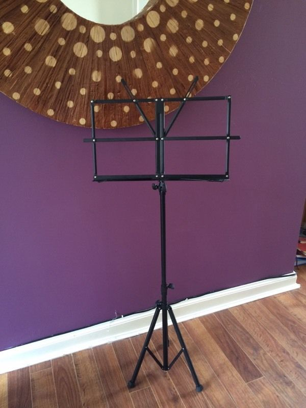 Music book stand