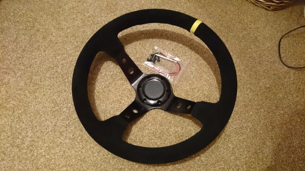 "Str Steering Wheel 350mm, 3"" dish, black suade"