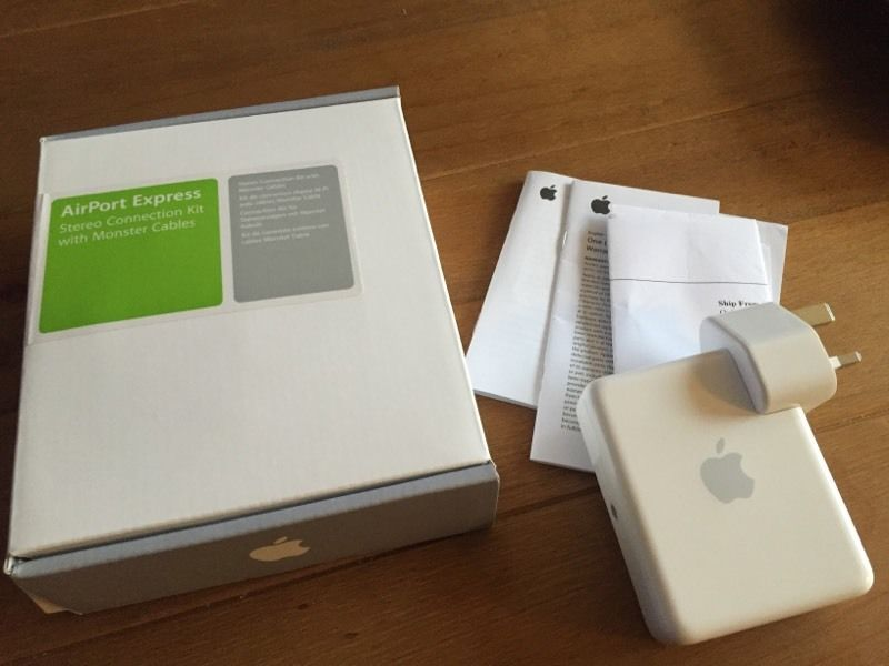 Apple Airport Express base station and stereo connection kit
