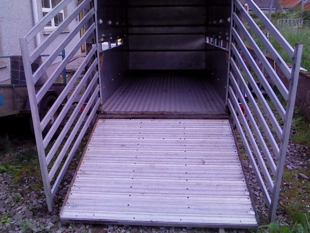 10 x 5 ifor williams cattle trailer, lights and brakes working