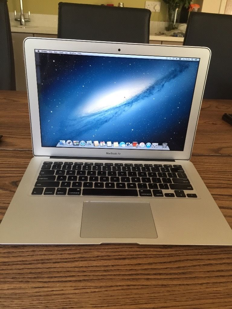 PRISTINE BOXED Mid 2012 Macbook Air 13""