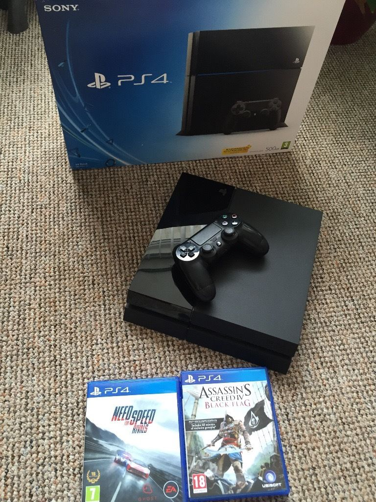 SONY PS4 WITH TWO GAMES