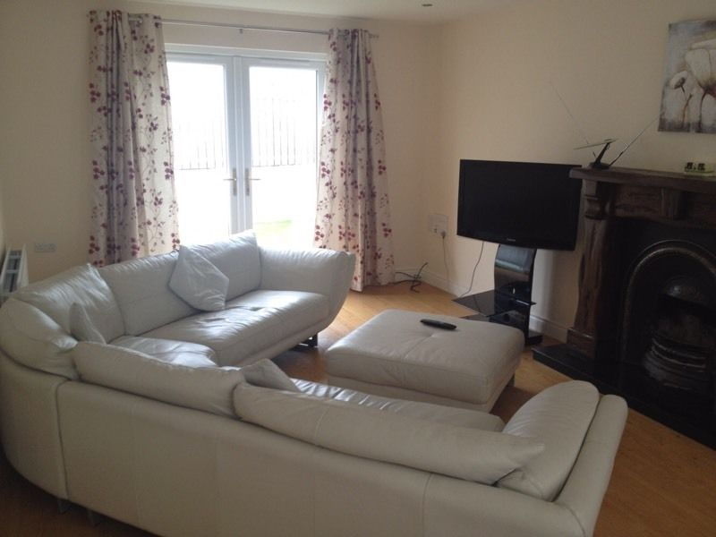 Fantastic double room in central Portstewart - Professional house close to Coleraine!!