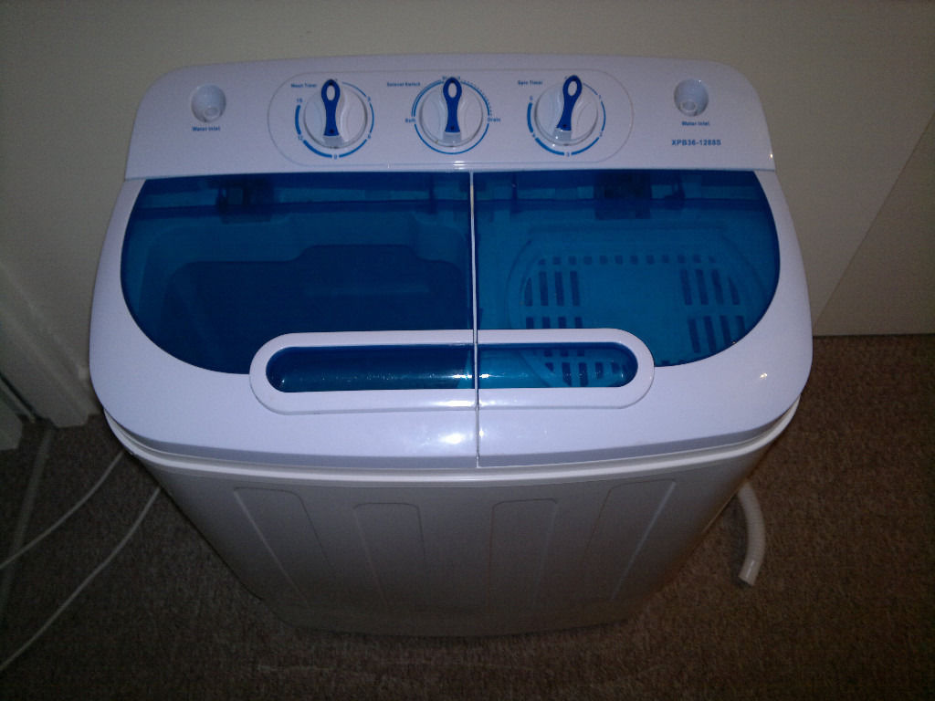 Small twin tub portable washing machine, camper, flat, caravan, motor home, spin dryer, motorhome