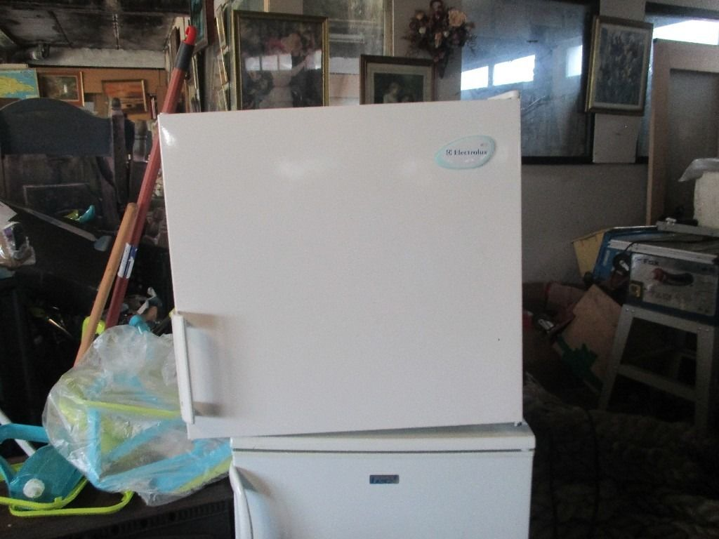 lovely neat small but not toosmall freezer, a must for those xmas extras