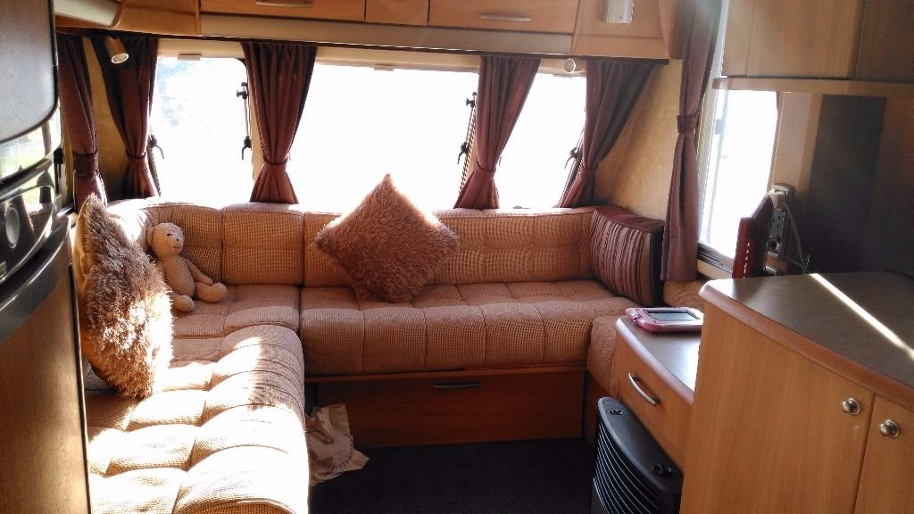 2006 SWIFT CONQUEROR 630SAL, lovely condition and including all extras!