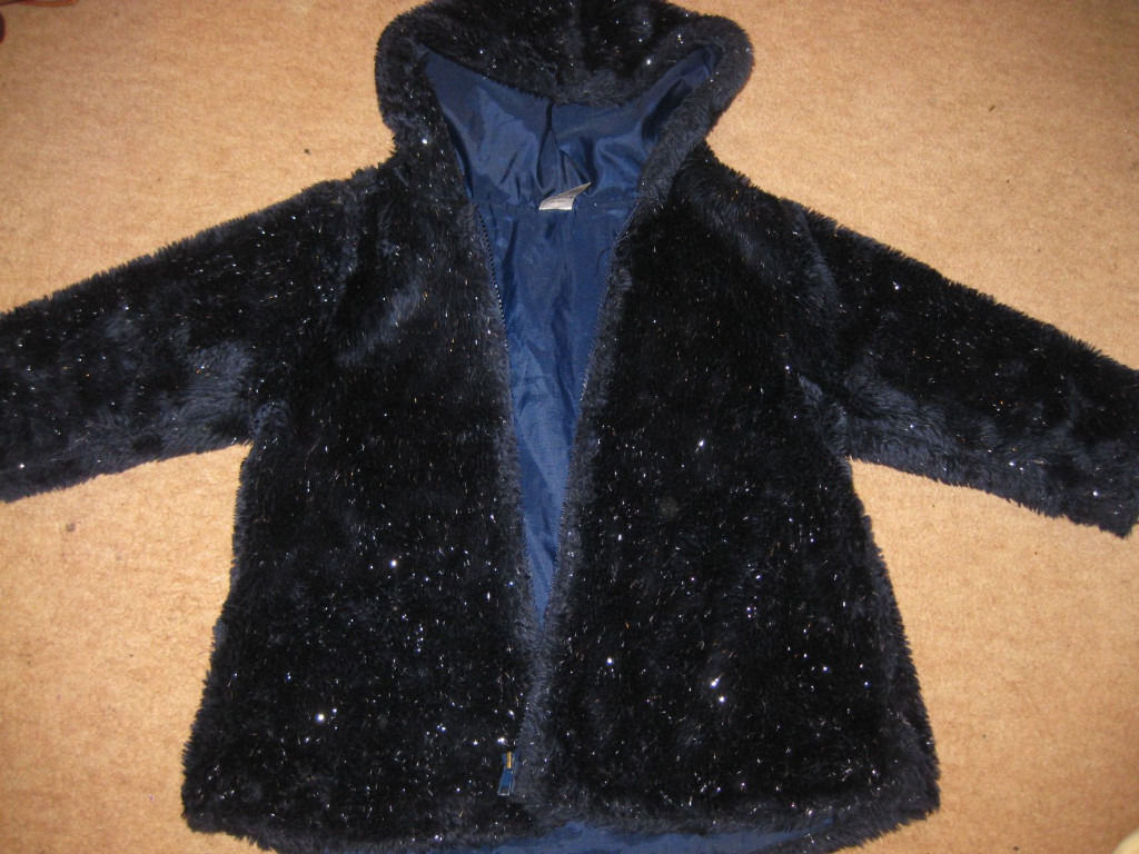 Navy blue SPARKLY FURRY COAT - lined - IMMACULATE - age 3-4 + FREE JUMPER +FREE FARM DOMINOES GAME