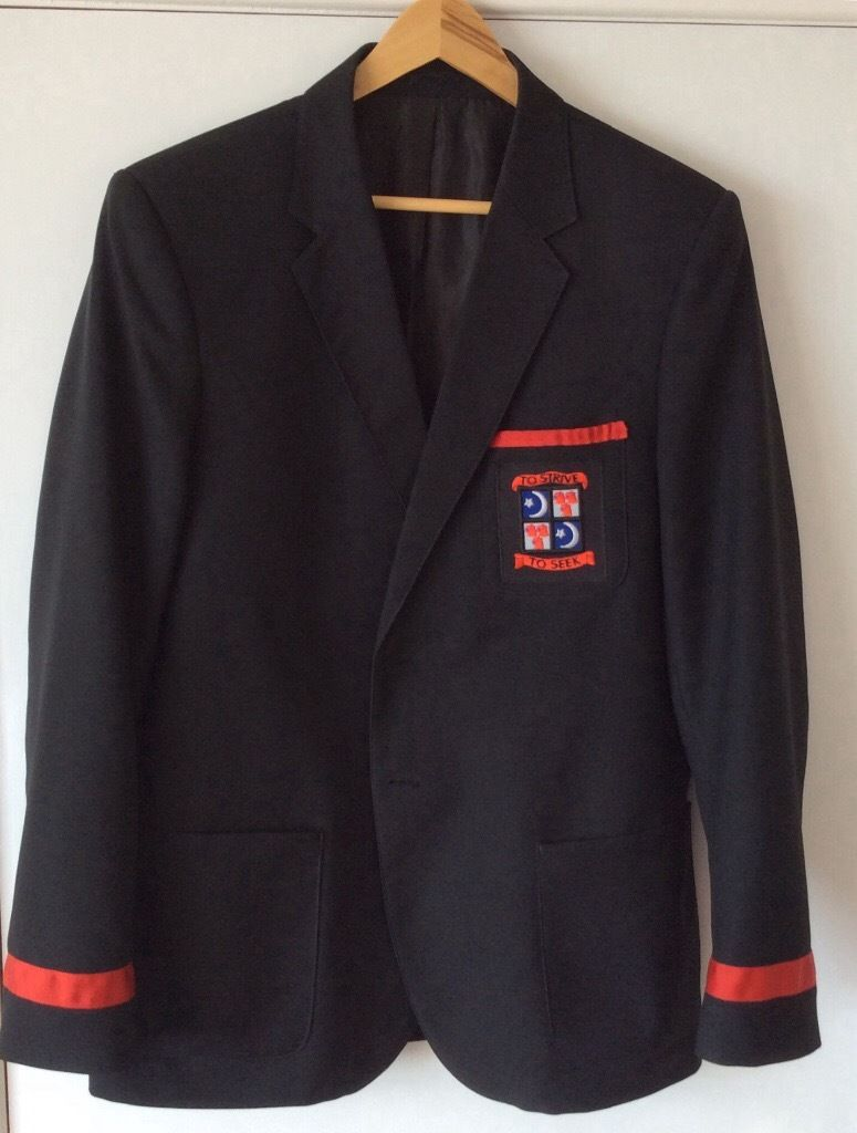 BOY'S BLAZER - BALWEARIE HIGH SCHOOL - Size 40L As new