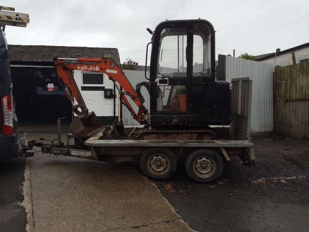 Pel job 1.5 tonne mini digger and trailer