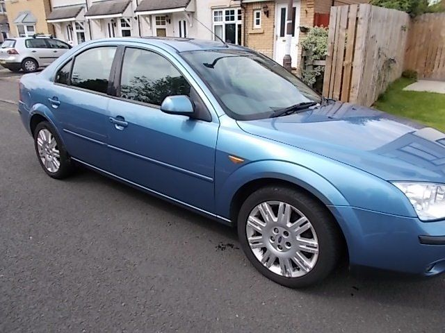 FORD MONDEO GHIA X SALOON (LEATHER INTERIOR) 02 REG MOT 30TH OCTOBER 2016