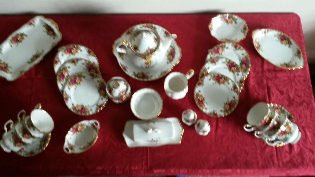 Genuine Royal Albert Tea Set : English Country Rose.Full Tea set plus accessories in mint condition