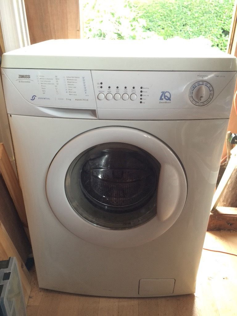 MUST GO TODAY OFFERS Zanussi Washing machines ( comes as a lot ) both working