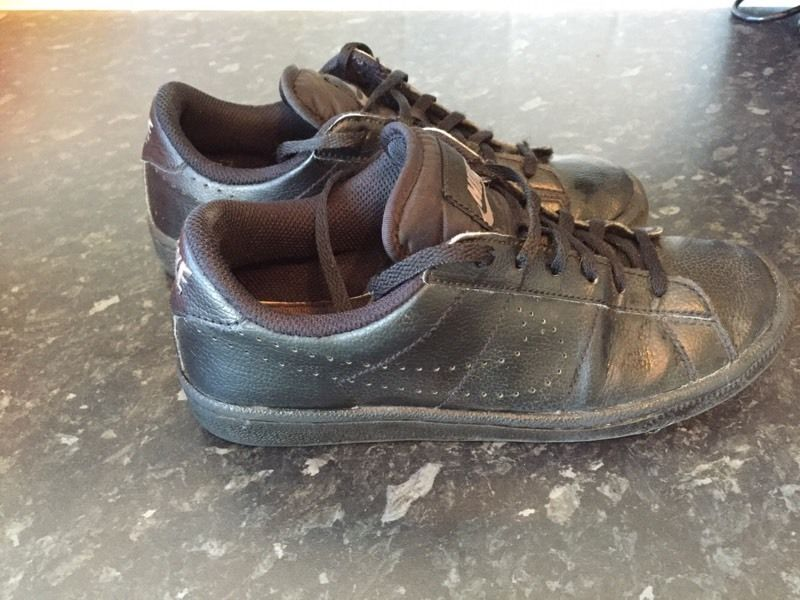 Black Nike trainers size 4 - ideal for school