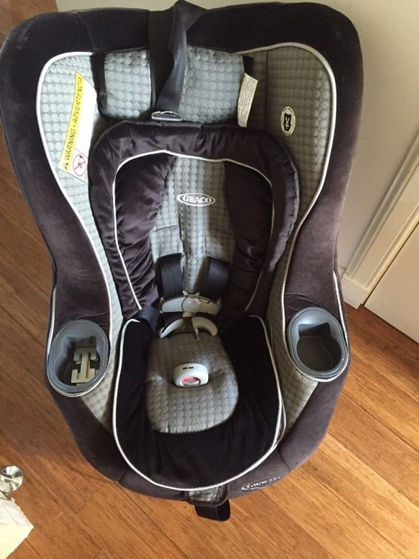 Graco baby car seat *need gone asap
