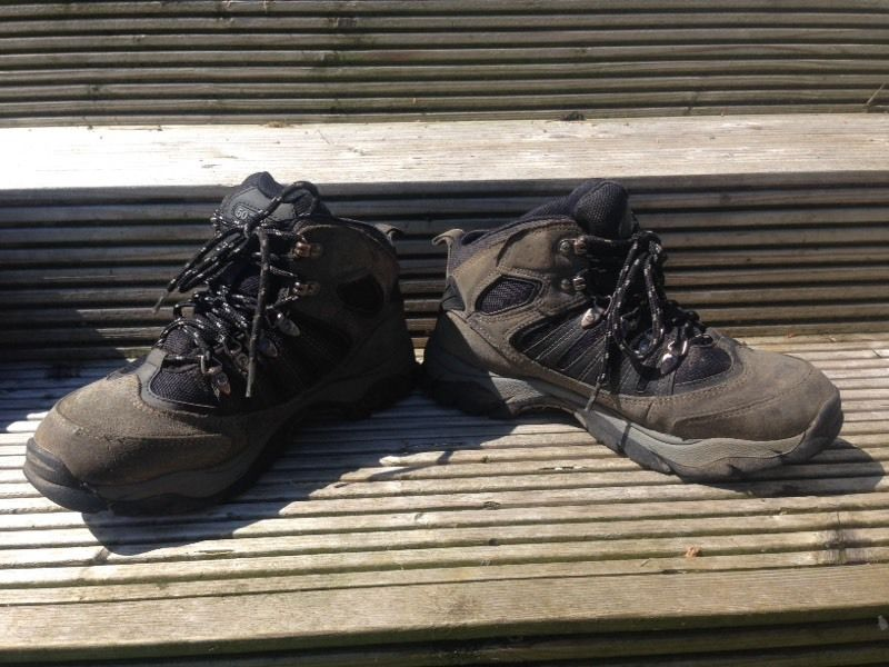 Hi Tech 50 peaks walking boots size 7