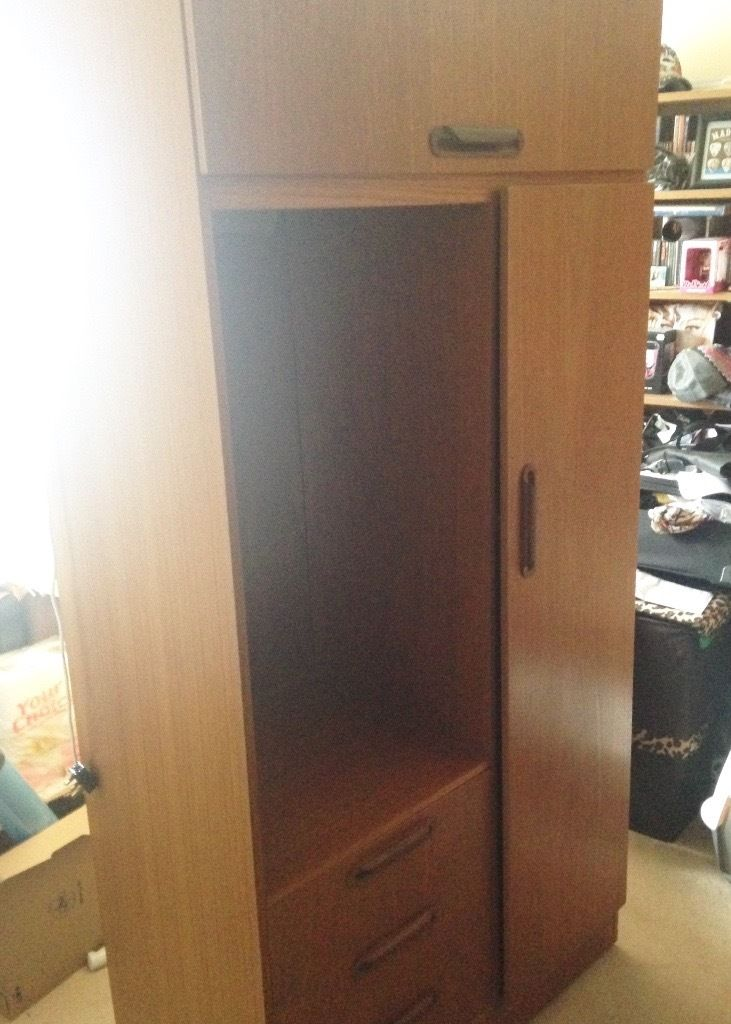 Free Wardrobe With mirror, light, three drawers, overhead unit and hanging space