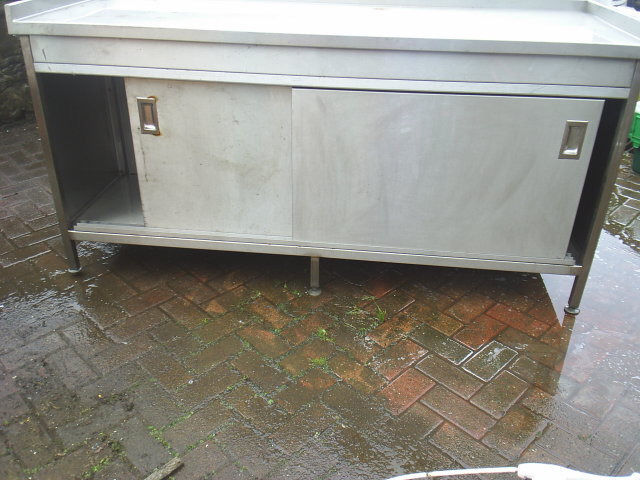 COMMERCIAL STAINLESS STEEL PREP TABLE/CUPBOARD