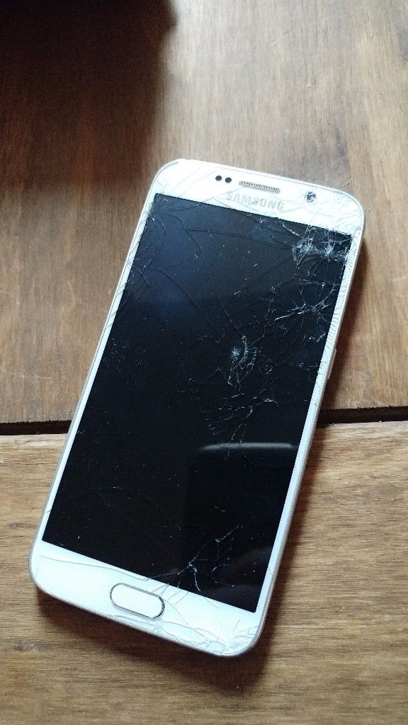 Samsung Galaxy S6 - only 3 months old. Cracked front + rear glass. LCD fine - fully working.