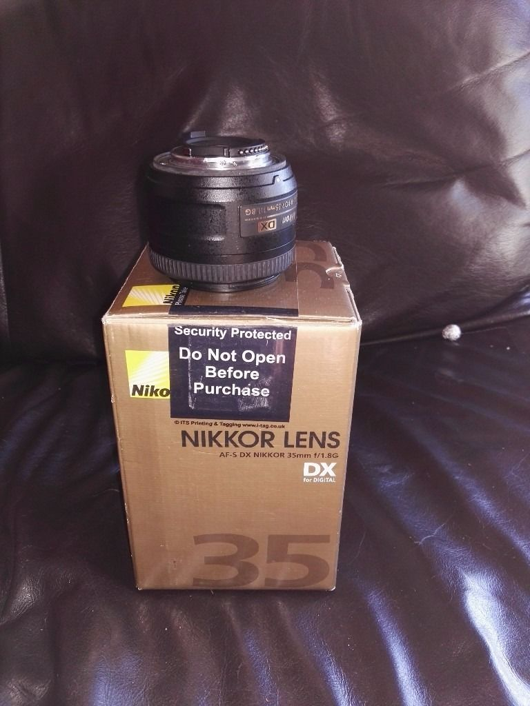 35MM 1.8 nikkor g lens perfect condition.