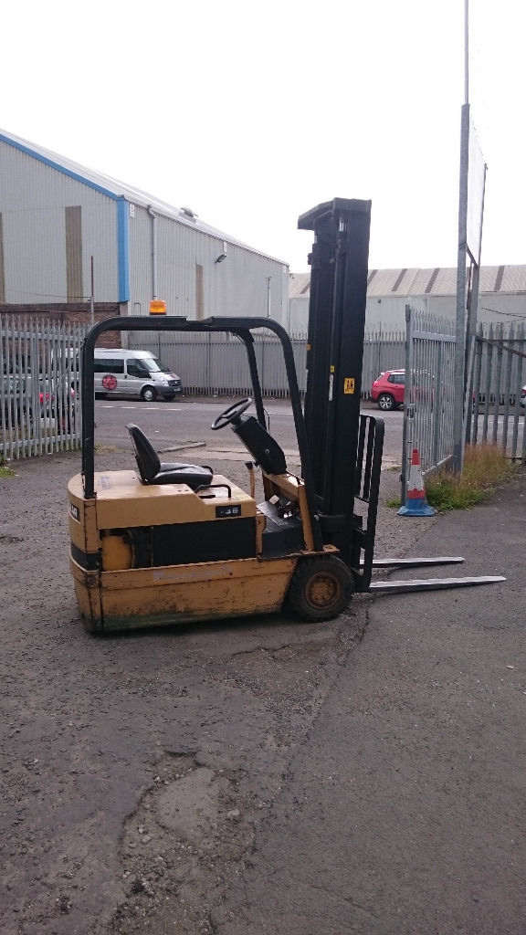 Caterpillar F35 forklift good condition