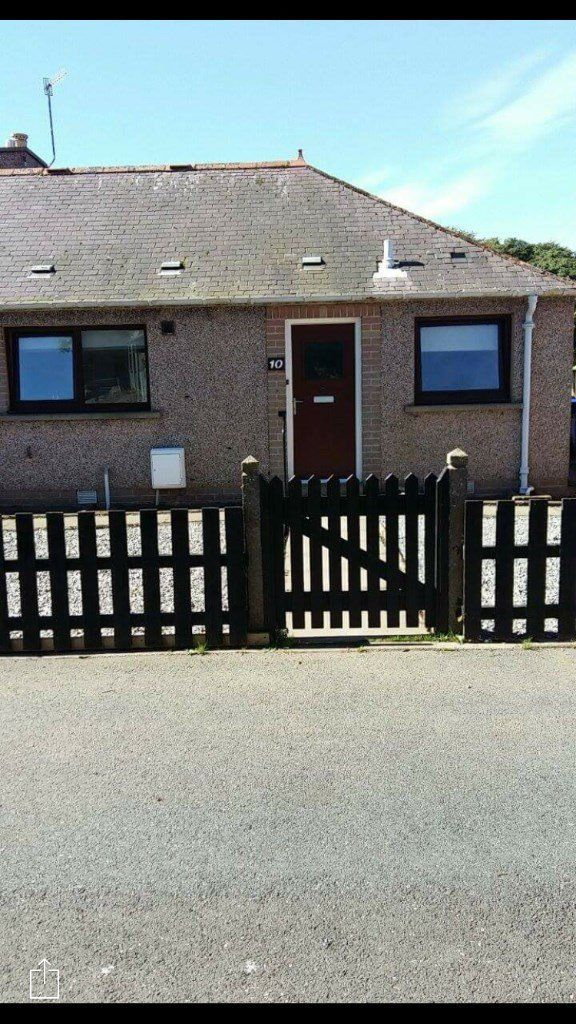 One Bedroom House looking for 2 Bedroom House