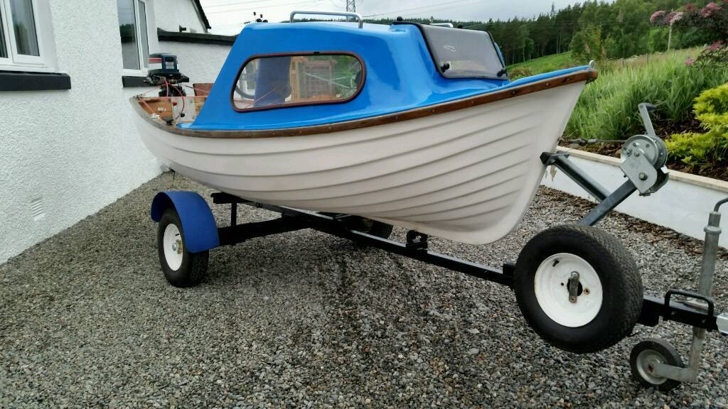 Fishing boat with yamaha 5hp and trailer