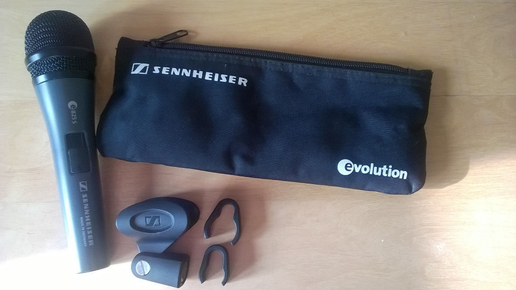 SENNHEISER microphone - E825 S - LIKE NEW + bag + clamp