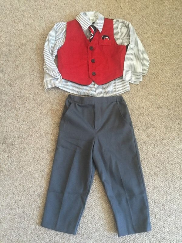 Boys 3 piece suit 2-3 years