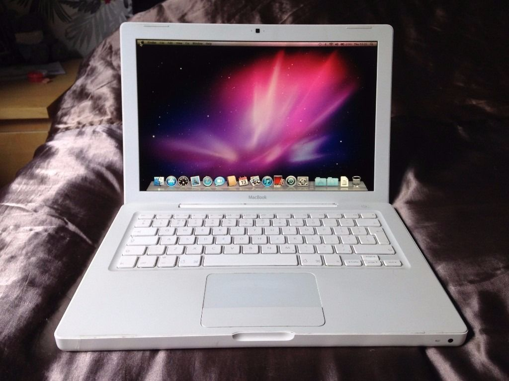 Macbook A1181 13.3-inch 2007 4gb ram 80gb hard disk