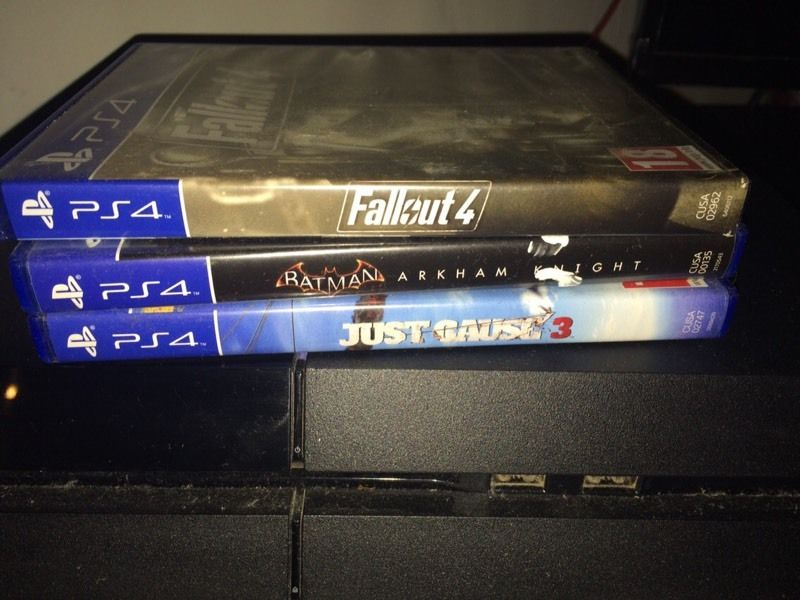 Ps4 with box games & blu Rays