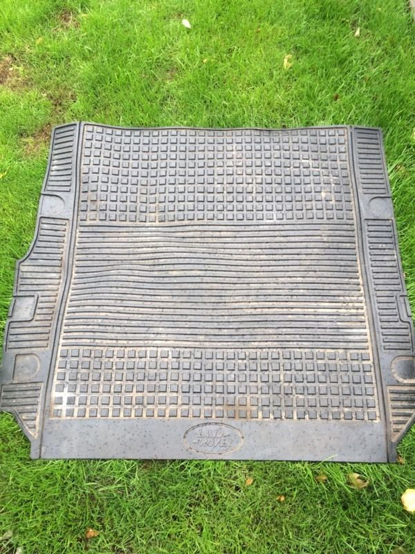 Discovery 3 rubber boot mat