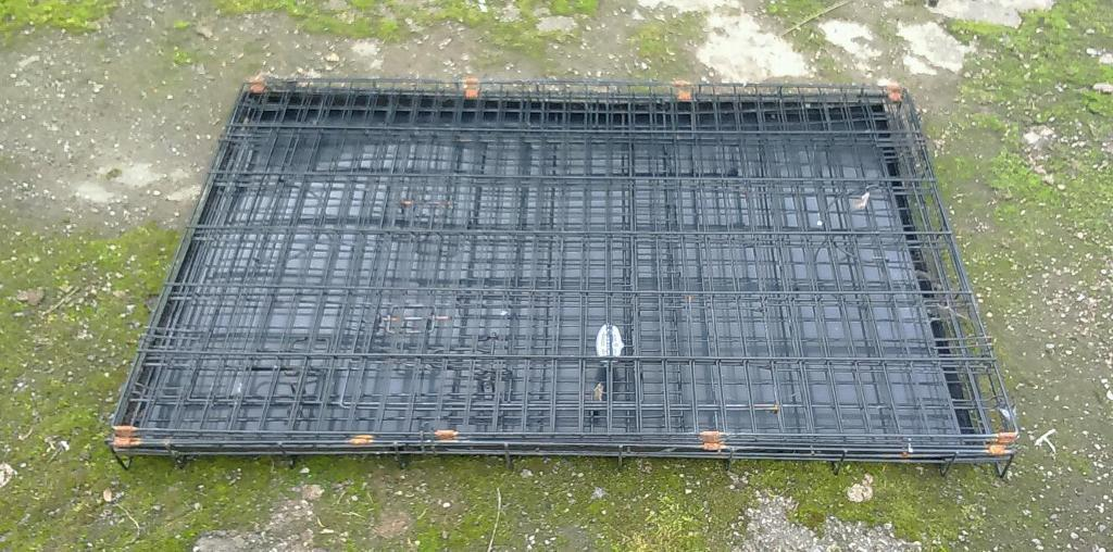 Large dog or pet cage