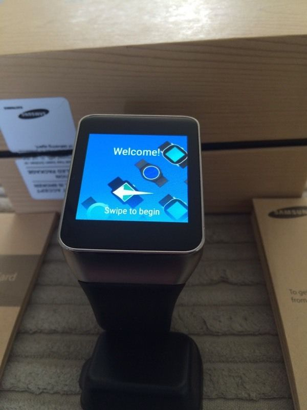 Samsung Gear Live (New model) as new boxed