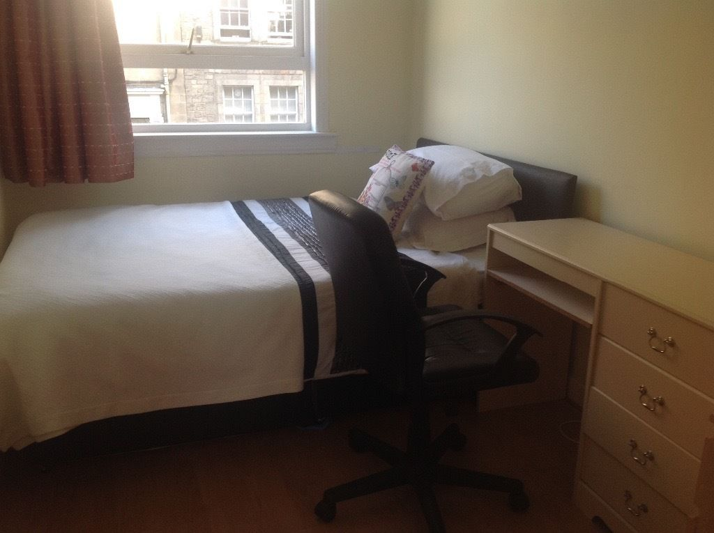 Room for rent at city centre