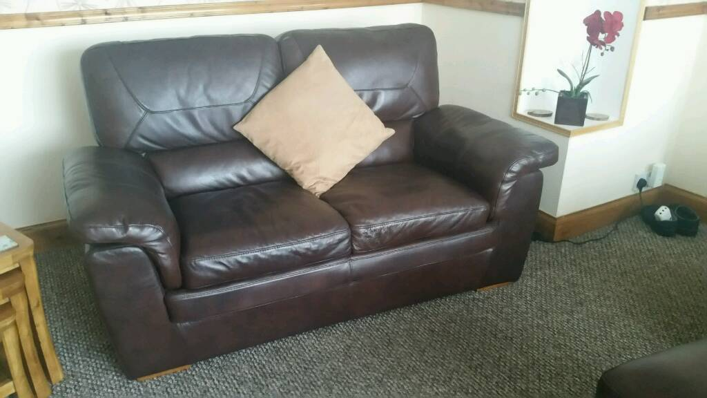 100% Leather Suite..