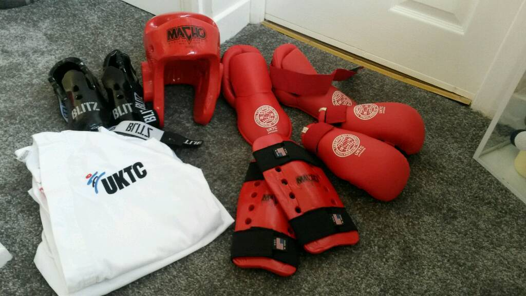 UKTC sparring equipment & suit
