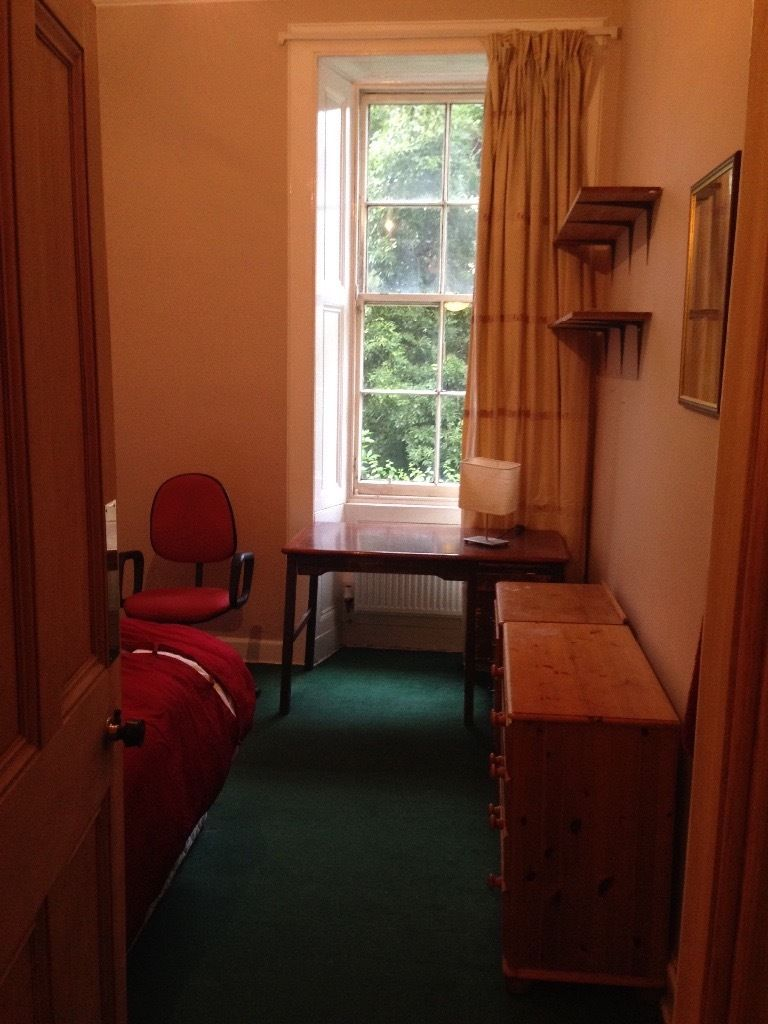 Double room next to Meadows TWO WEEKS ONLY