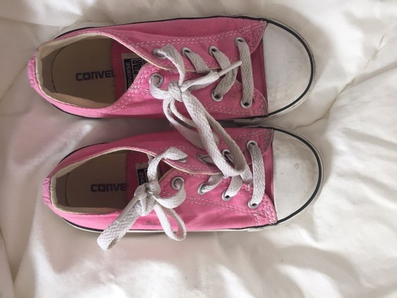Girls pink low converse size 11