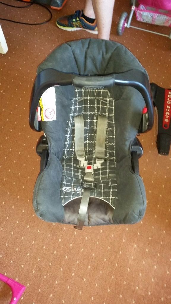 Chicco car seat from birth