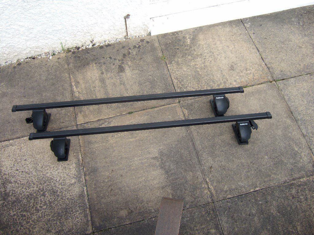 Halfords Roof Bars, currently with fittings for Saab GM900/9-3