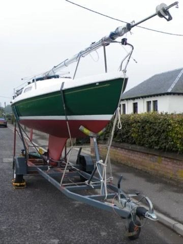 Hunter 19 foot Sailing Boat Dingy + Blacksmith Trailer + Bobbin Tender + Sails +