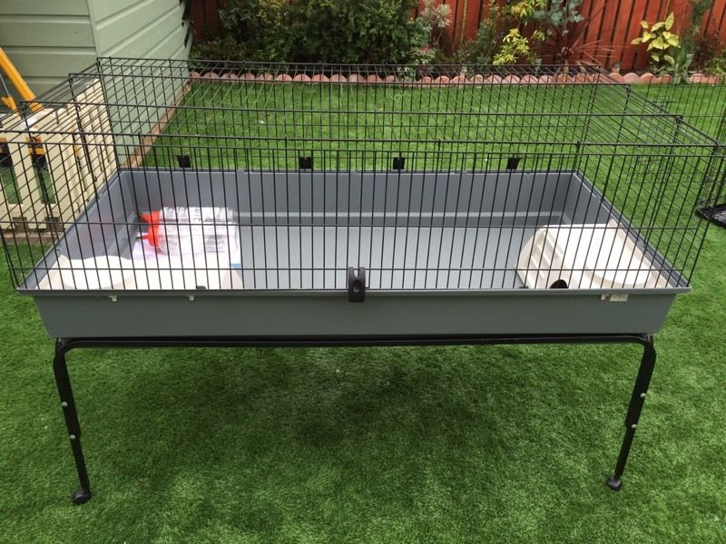 Ferplast 140 Rabbit/Guinea Pig Cage with stand