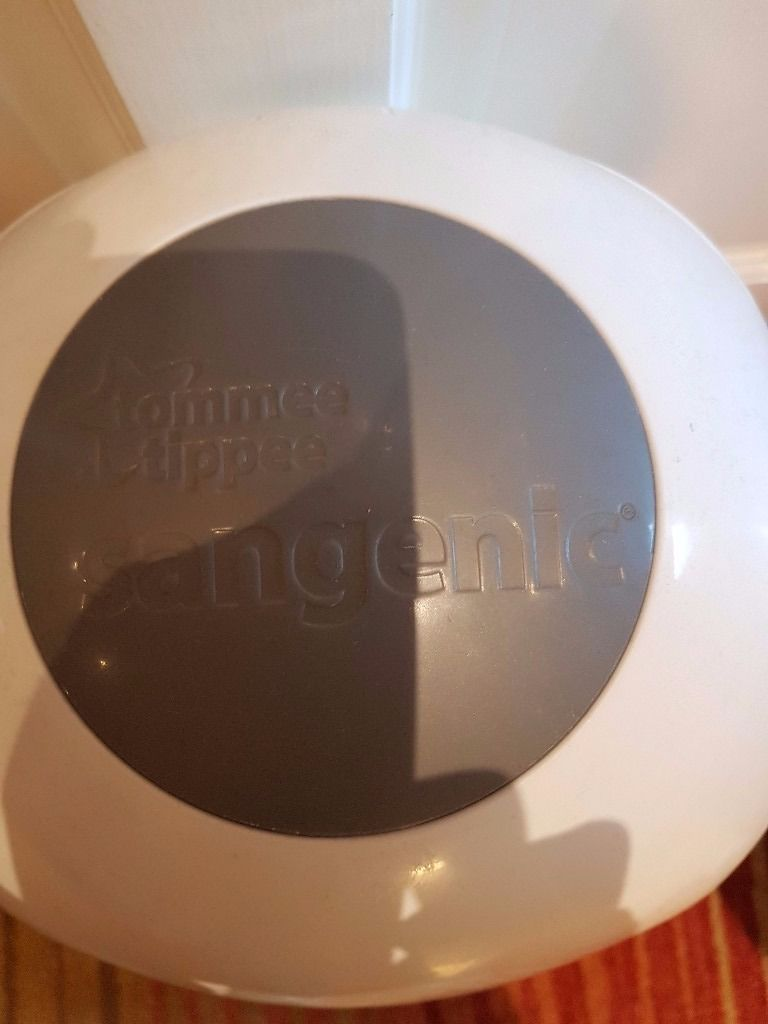 Tommee Tippee Sangenic Nappy Disposal Bin (used but good condition)