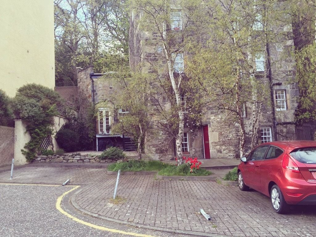Private parking space for rent - Westend Edinburgh